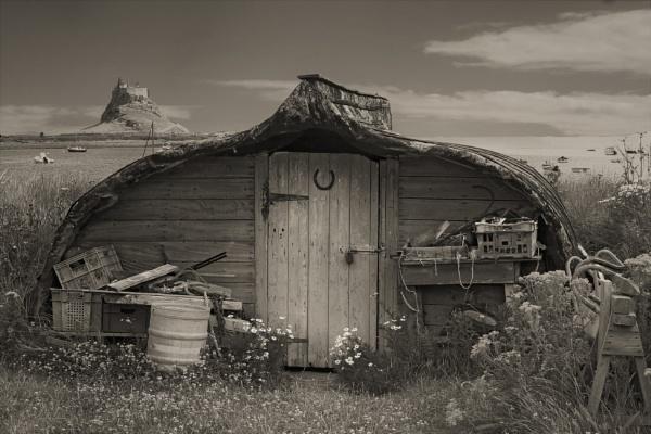 Fisherman\'s Hut by helenlinda