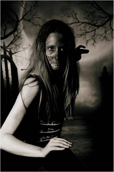 Spooky by bobbyl