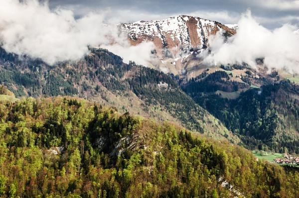 Swiss Landscape by bobbyl