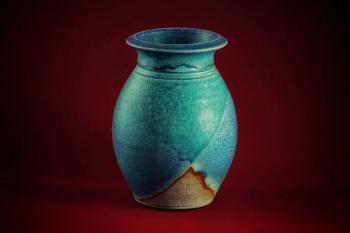Blue vase on Red