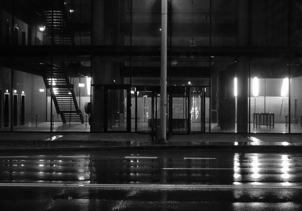 Very empty lobby by SauliusR