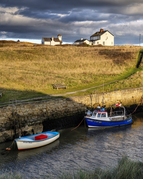 Seaton Sluice by AndrewAlbert