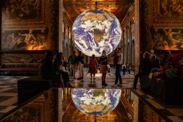 Globe in the Painted Hall by rontear