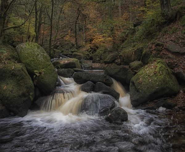 Autumn Falls by Gavin_Duxbury