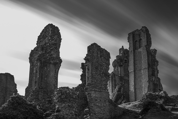 Corfe Castle Long Exposure by rburnage