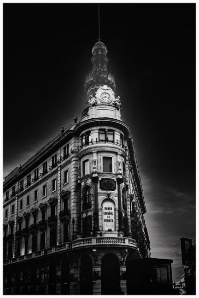 Banco Espanol-Madrid by bobbyl