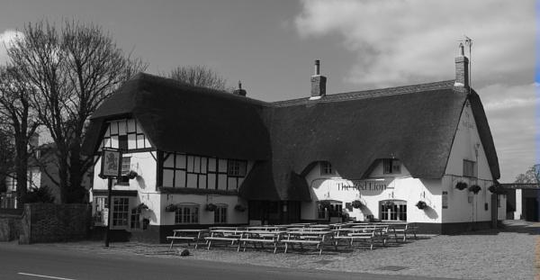 The Red Lion Pub, Avebury by woodini254