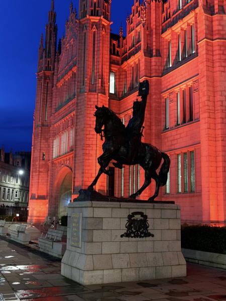 Robert the Bruce & Marischal College Aberdeen by ericjlaw