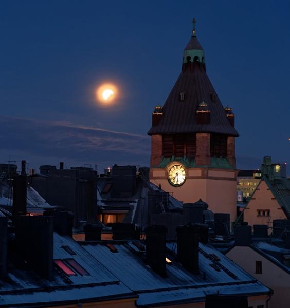Lunar eclipse by totti