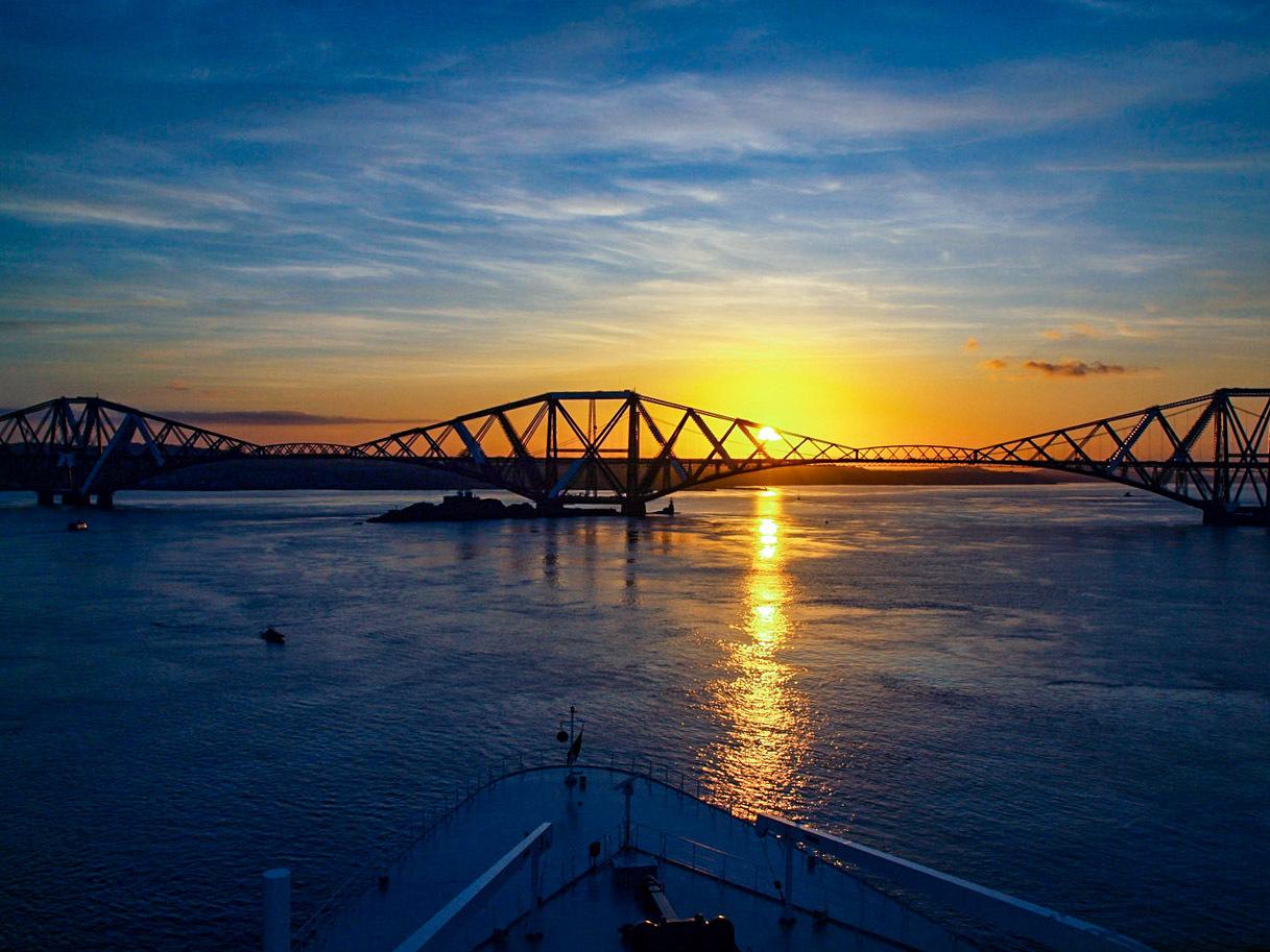 Forth Bridge Sunset & the QM2