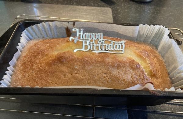 Lemon Drizzle Cake. by Pinarellopete