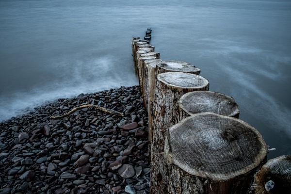 Beach Groyne by JohnDyer