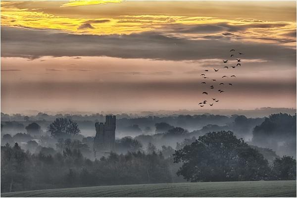 Helmsley Castle by stevenb