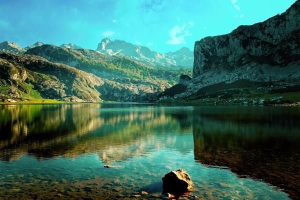 Lake Ercina by MAK54