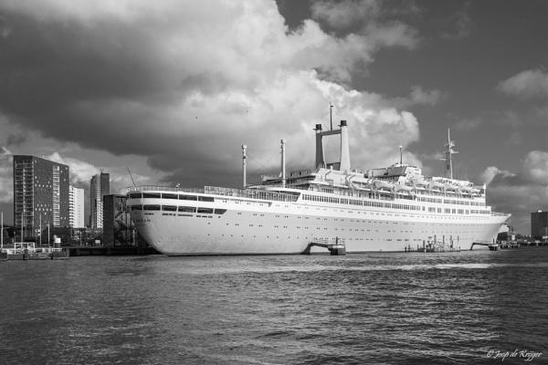 SS Rotterdam by joop_