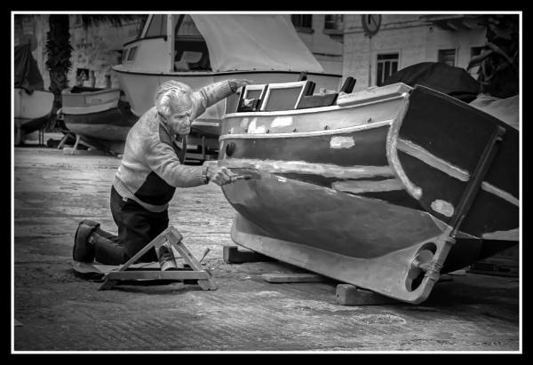 Elderly Maintenance -------------- Monochrome by Edcat55