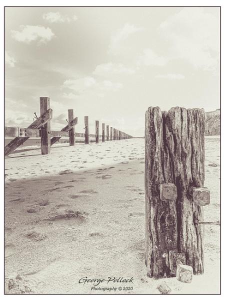 Happisburgh  beach by airfreq