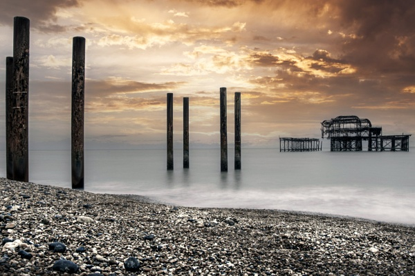 West Pier, Brighton by scuggy
