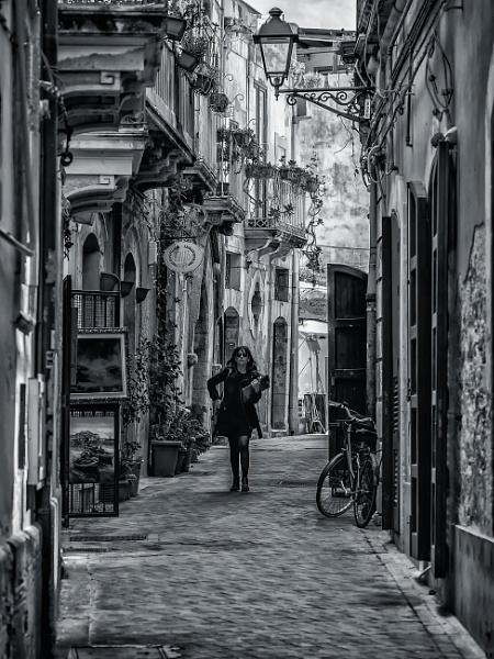 Via Cavour by Xandru