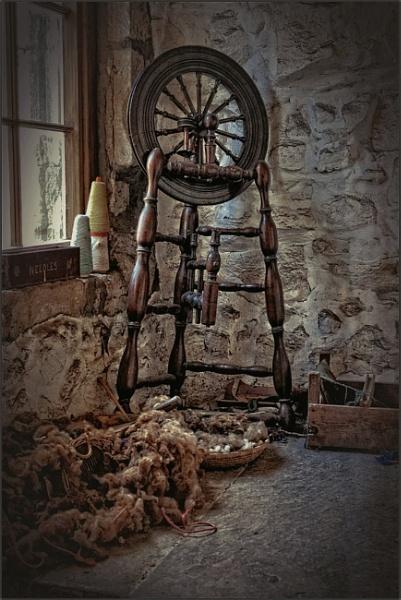 Spinning a Yarn (1) by PhilT2