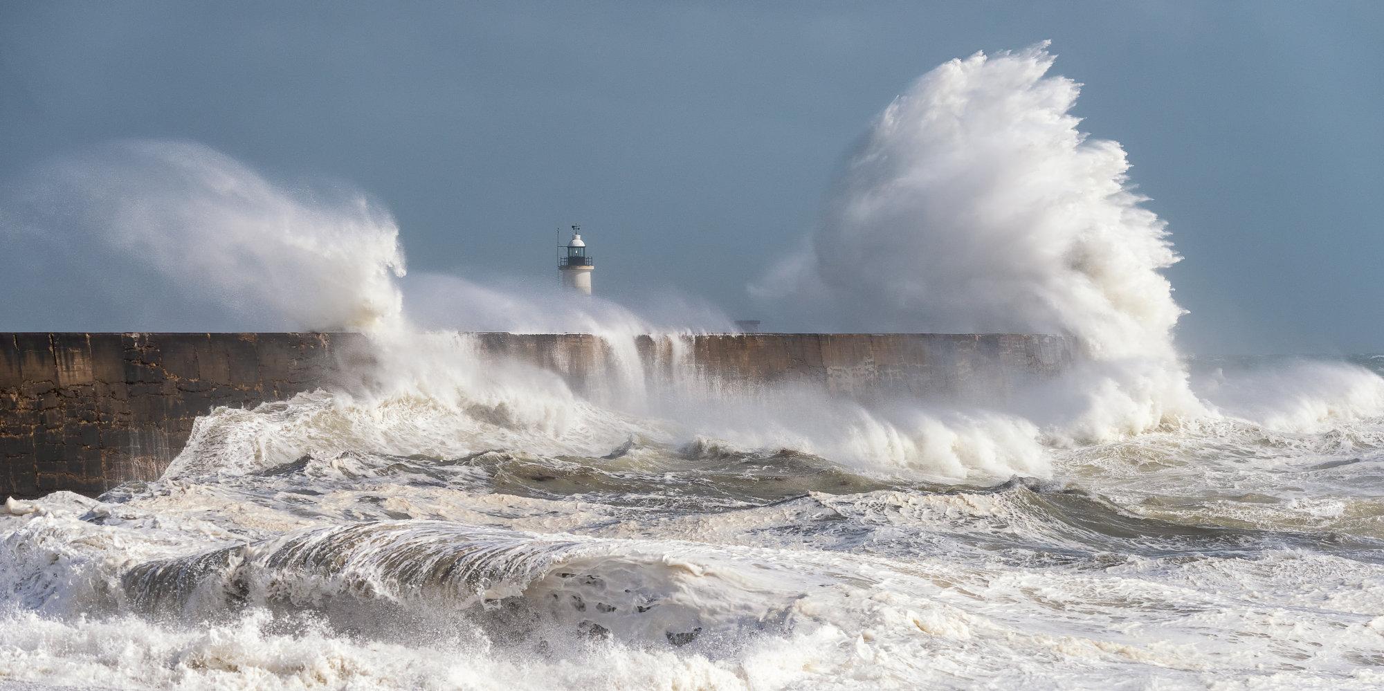 Storm tossed sea!