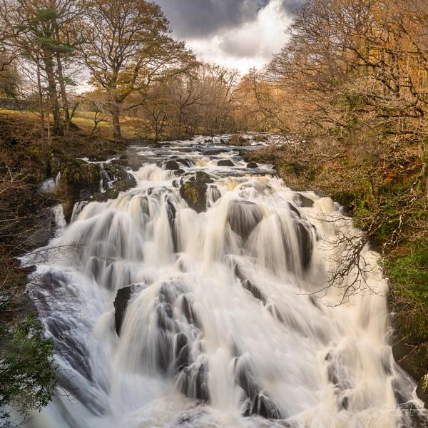 Swallow Falls in winter flow by Ingymon