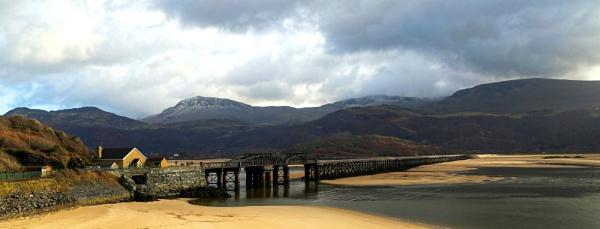 Barmouth Viaduct by Ffynnoncadno