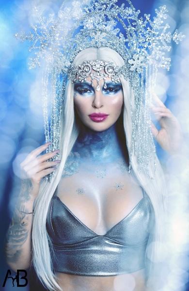 Queen of Ice by ABstudio