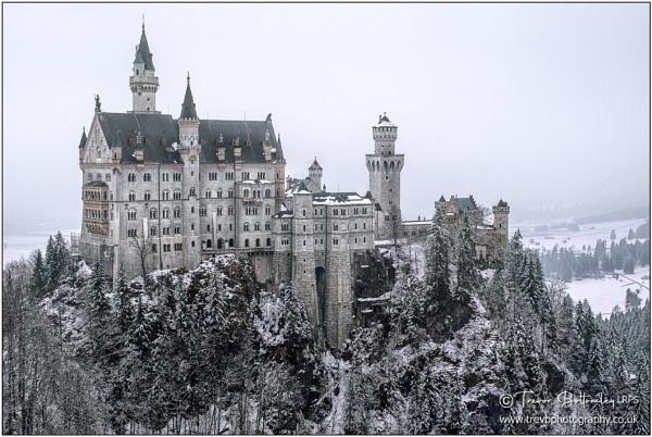 Schloss Neuschwanstein by TrevBatWCC