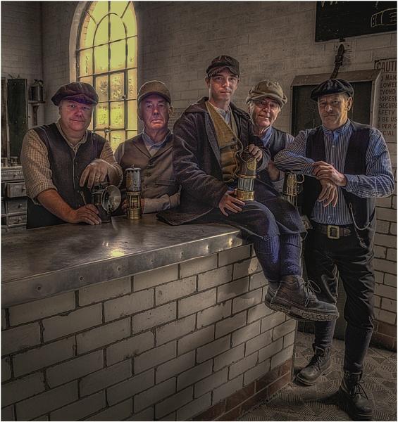 Lamp Room Boys by stevenb