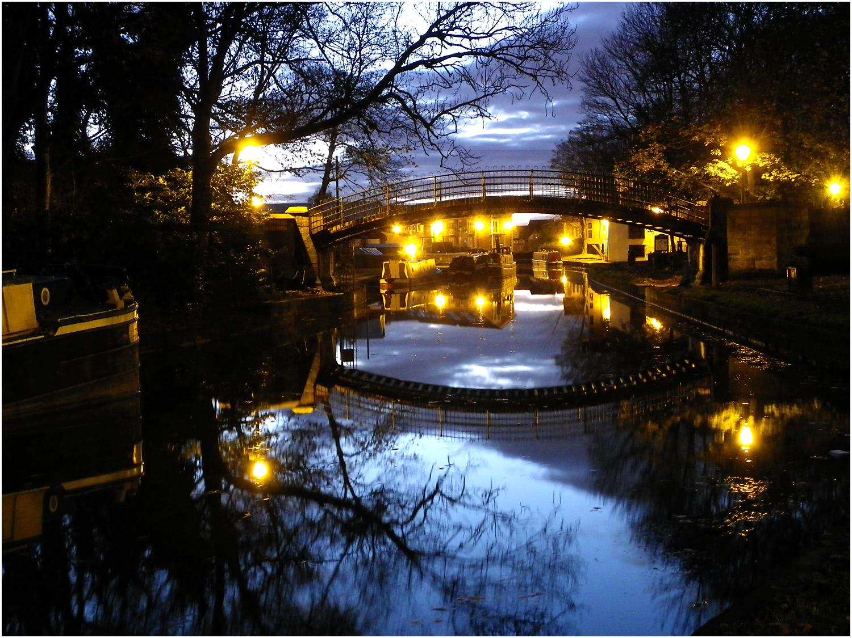 Dawn on the Bridgewater Canal