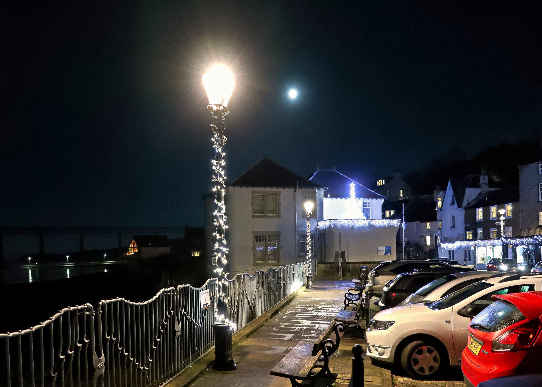 Lamp Light & Moonlight