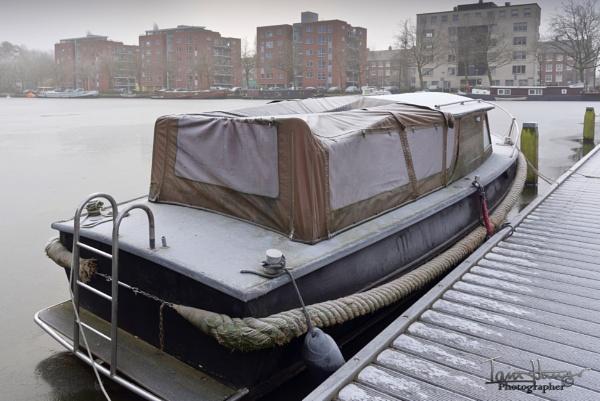 Frozen Canal by IainHamer