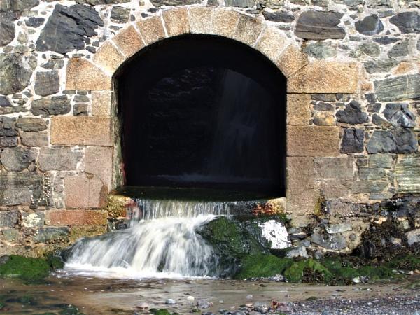 Water arch by GwB