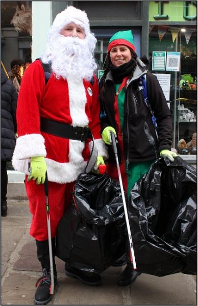 Litter Picking Santa. by lifesnapper