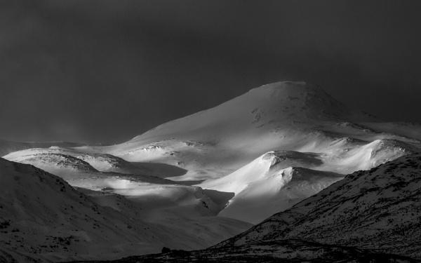 Winter Light, Sgurr Dubh by flatfoot471