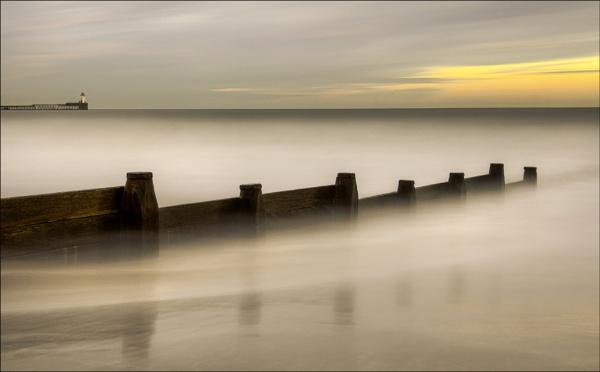 Sunset Groyne Blyth Beach. by mickmarra
