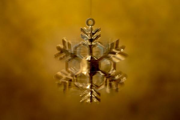 Spinning snowflake by JackAllTog