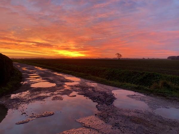 Sunrise by raywalker