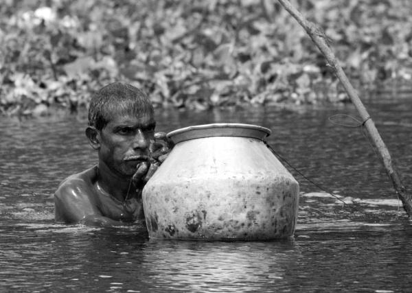 Otster fisherman by Karuma1970