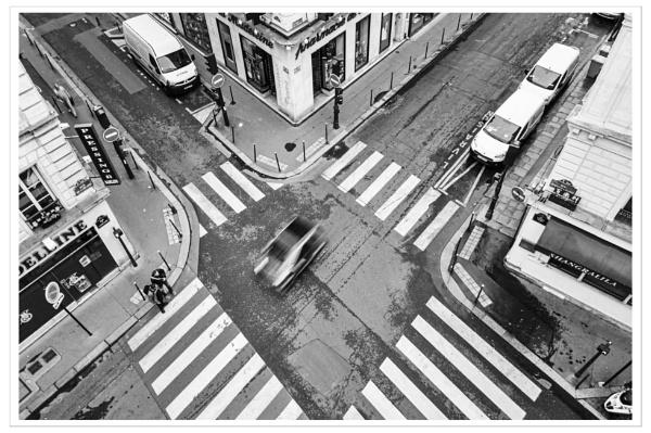 Street Scene - Madeleine, Paris. by scuggy