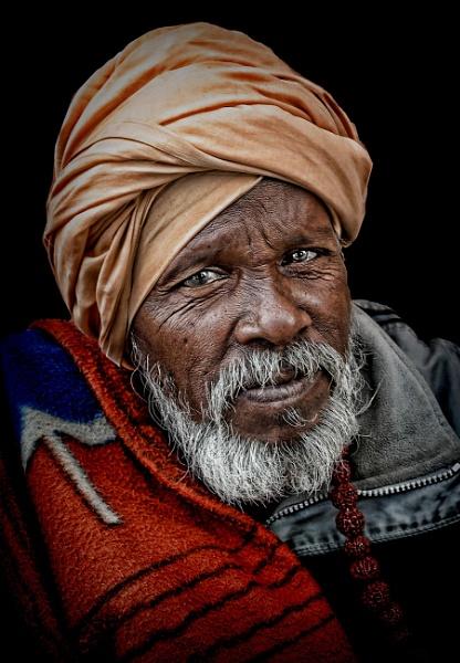 Men of Haridwar........ by sawsengee