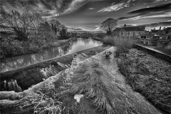 Tyne in spate by KingBee