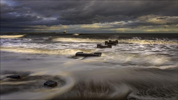 Waves. by mickmarra