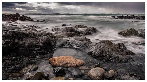 Rocks at L\'Etacq by happysnapper