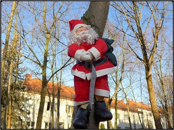 santa hanged himself by FabioKeiner