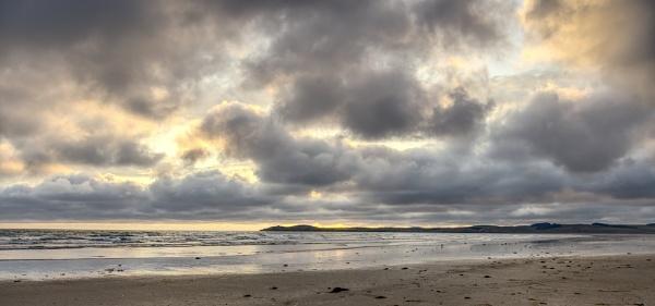 Moody Beach by digicammad