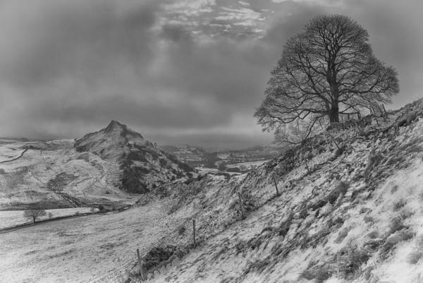 Winter\'s Morning At The Dragon\'s Back by Gavin_Duxbury