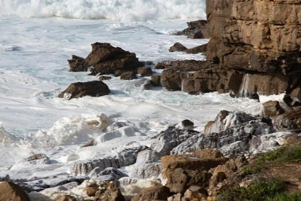 Sea foam by HarrietH