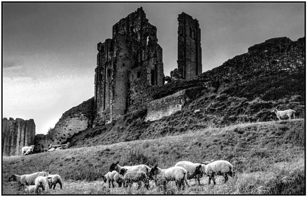 Corfe Castle by mac